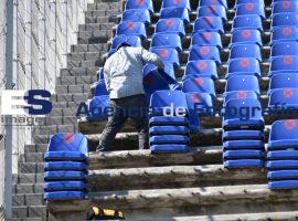 Trabajos con las bancas del Estadio Cuauhtémoc
