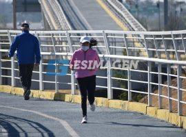 Personas inician el año haciendo ejercicio