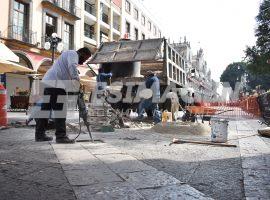 Cambio de lajas en la calle Juan de Palafox