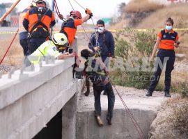 Rescatan el cuerpo de un hombre en autopista Puebla Orizaba