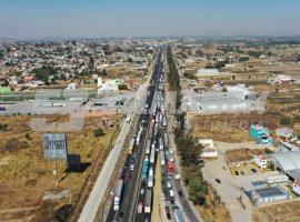Tráfico en autopista Puebla México