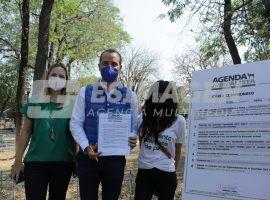 Mario Riestra firma con Movimiento Animalista de Puebla